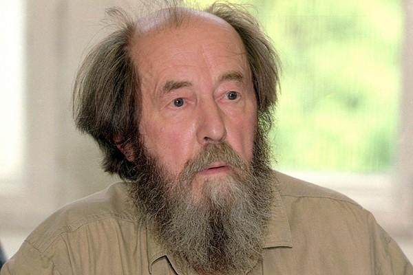 20190806_19-26-С кем был бы сейчас Солженицын - с казенным одобрямс или самодовольными фрондерами-pic1