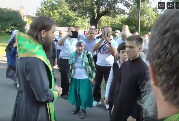 20190812_18-15-«Здесь стоит идол — ни больше ни меньше»- омские православные помолились за восстановление Свято-Ильинского собора-pic1