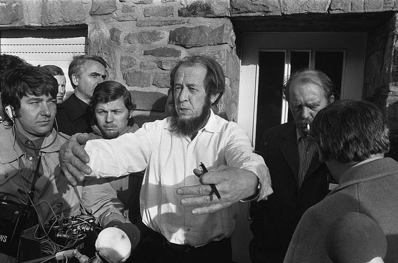 19760601-An Interview With Aleksandr Solzhenitsyn-pic1