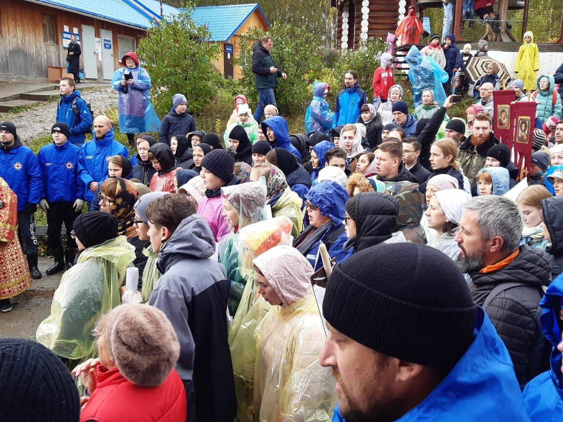 20190922_19-16-Детский крестный ход в Екатеринбурге раскритиковали в соцсетях. Но сделали это зря-pic2