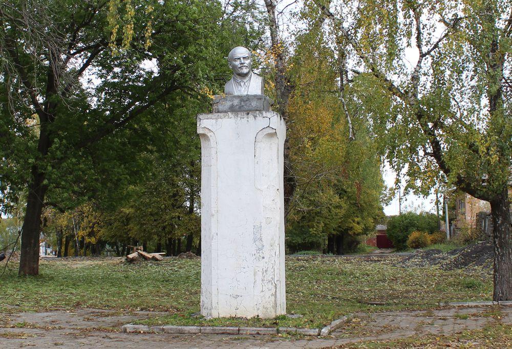 20191005_09-27-Памятник Ленину в Веневе переносить не будут-pic1