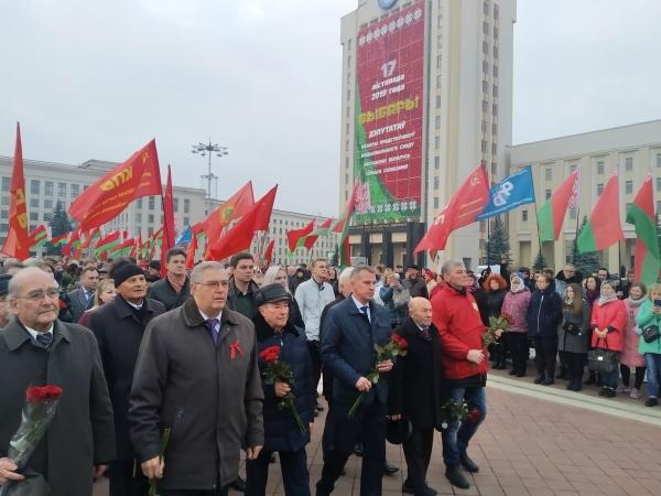 20191107_15-10-Злодеев и олигархов к стенке- годовщину социалистической революции отметили в Минске-pic5