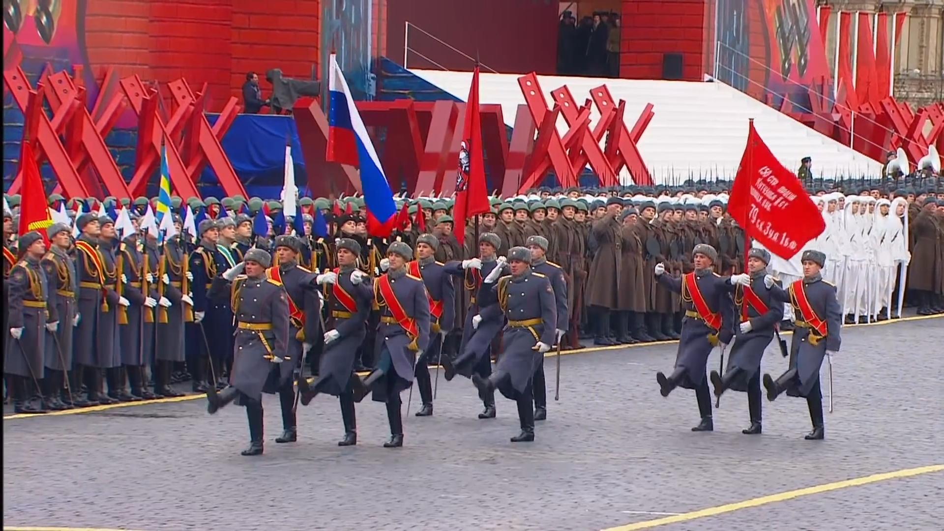 03-Марш в честь годовщины парада на Красной площади 1941-го года в Москве. Прямая трансляция