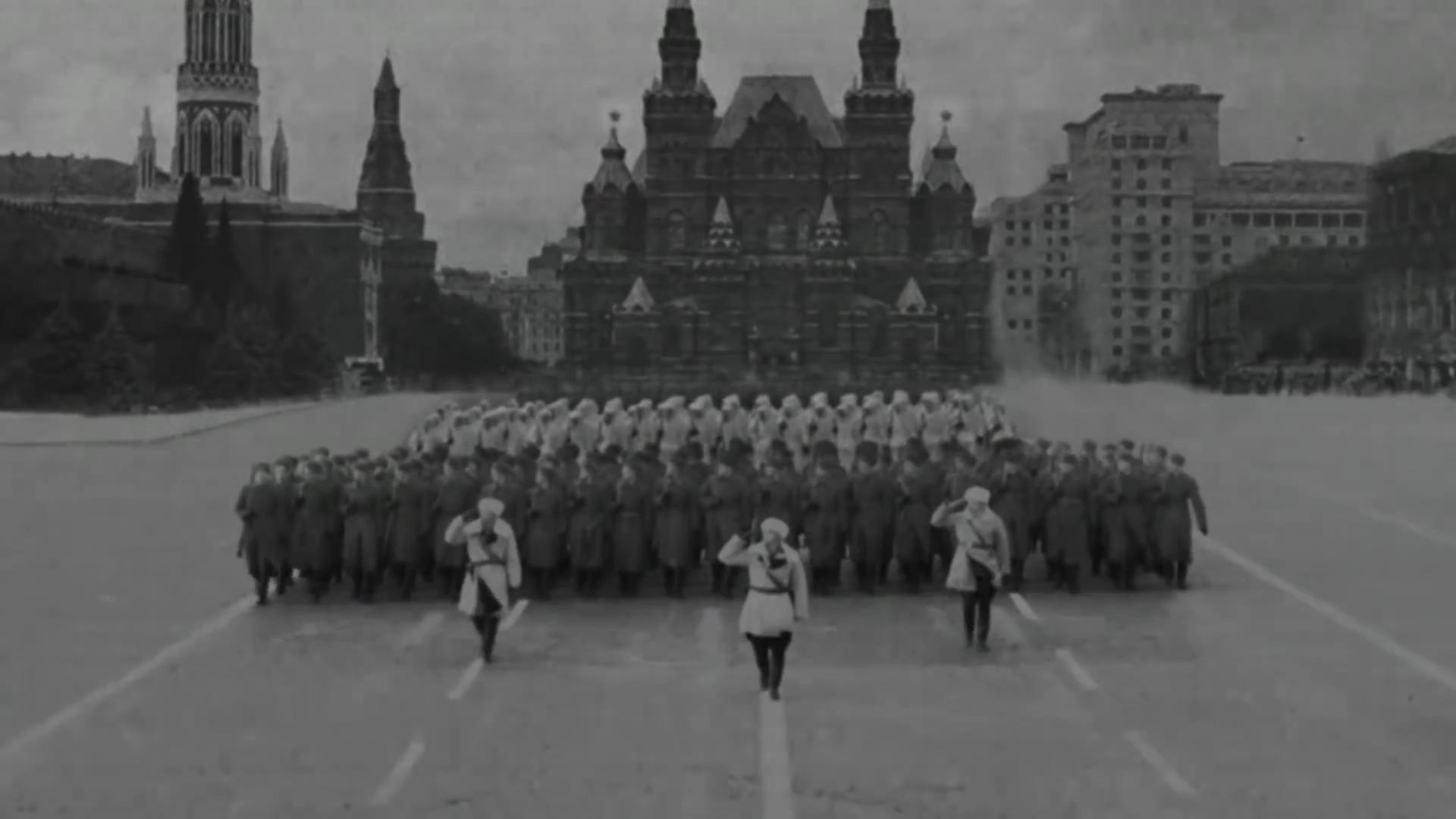 12-Марш в честь годовщины парада на Красной площади 1941-го года в Москве. Прямая трансляция