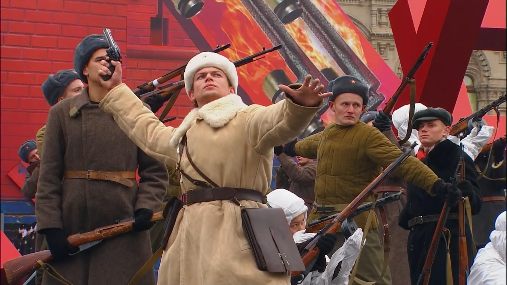 25-Марш в честь годовщины парада на Красной площади 1941-го года в Москве. Прямая трансляция
