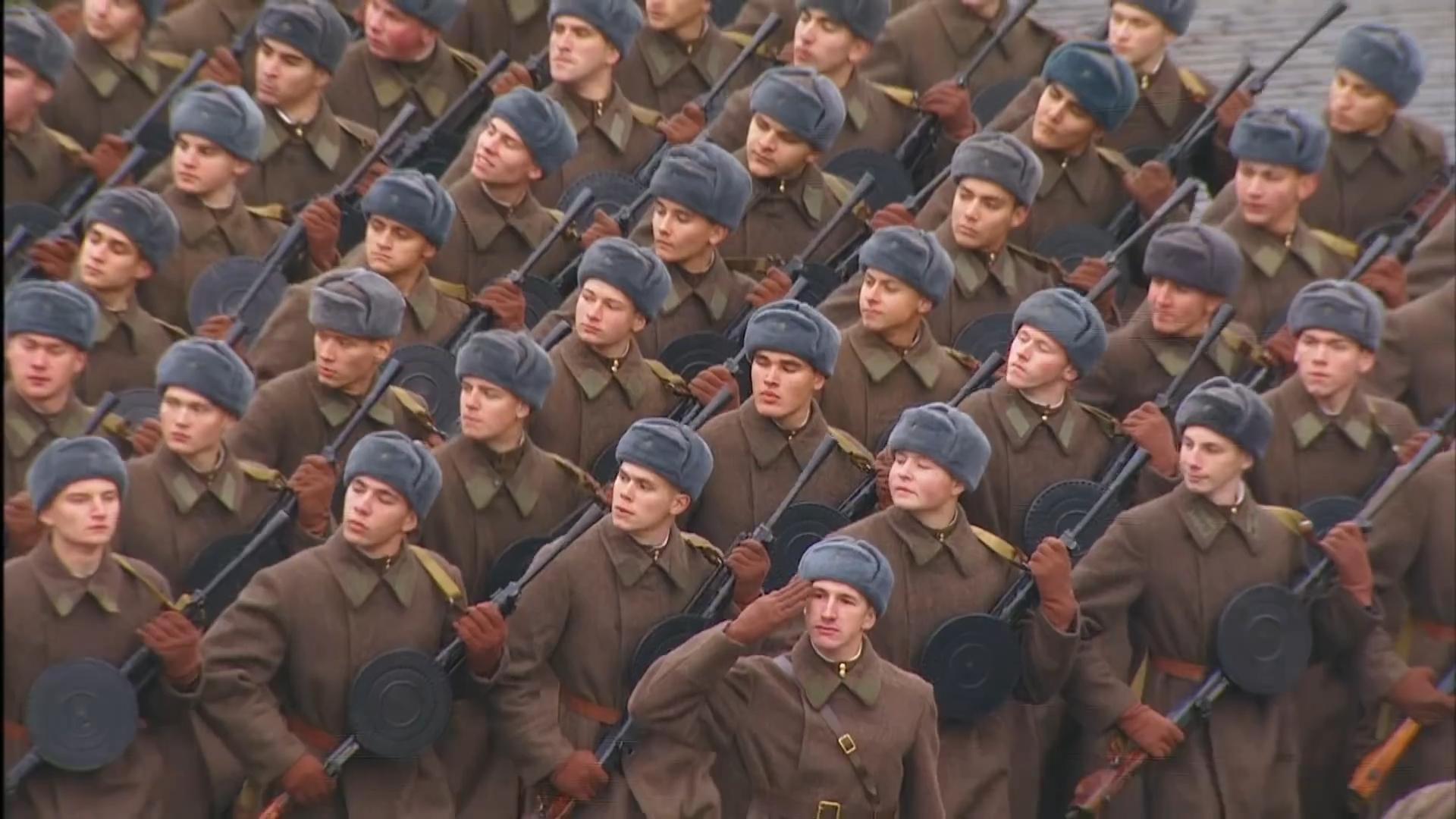 43-Марш в честь годовщины парада на Красной площади 1941-го года в Москве. Прямая трансляция