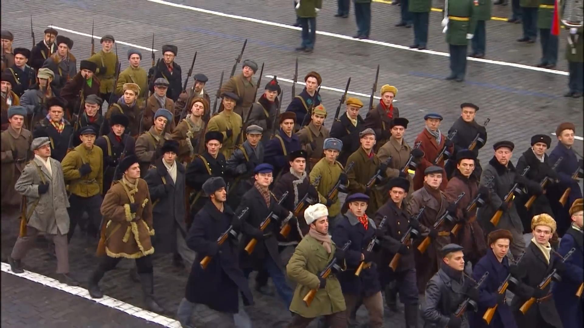49-Марш в честь годовщины парада на Красной площади 1941-го года в Москве. Прямая трансляция