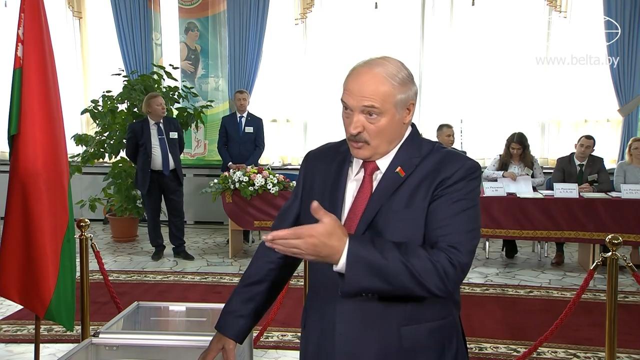 20191117_12-44-Лукашенко ответил на вопрос, с кем легче вести переговоры - с Россией или Западом-pic02