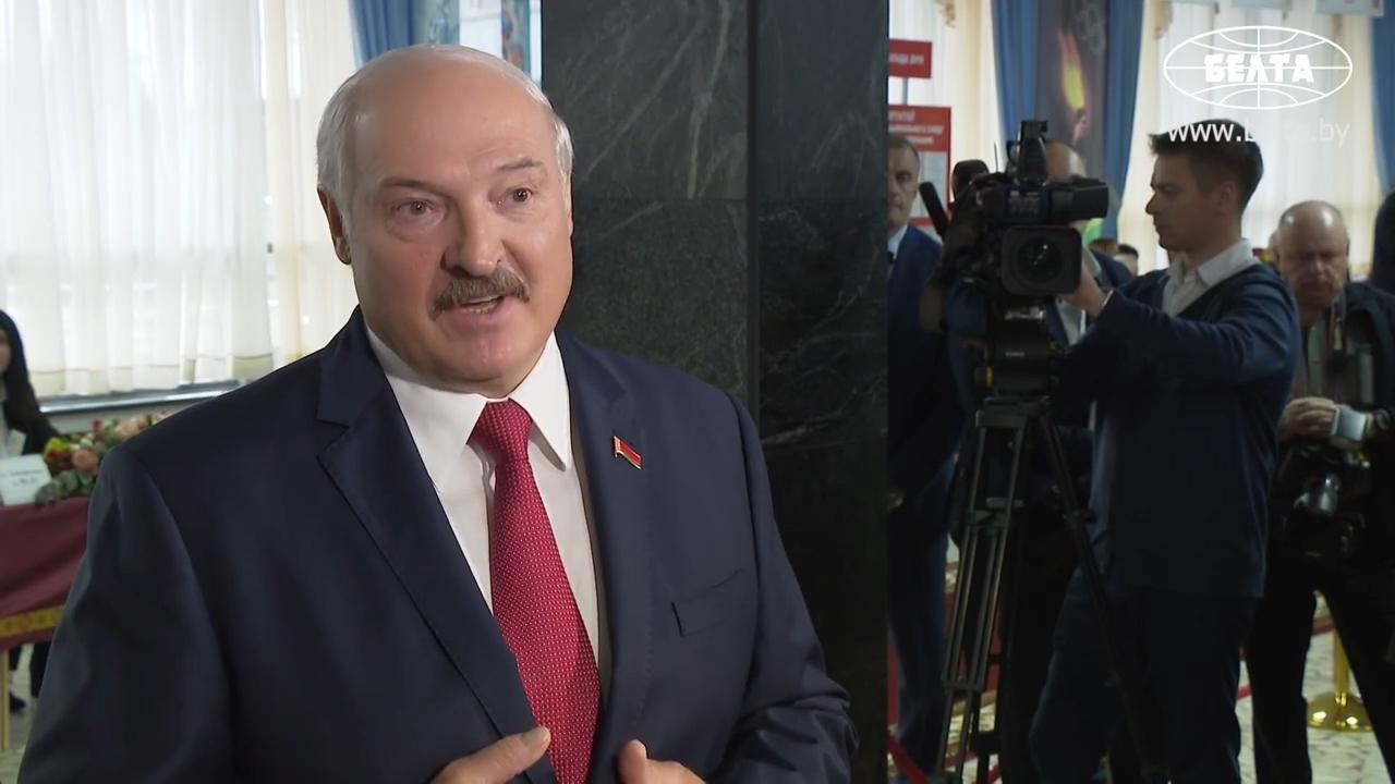 20191117_12-44-Лукашенко ответил на вопрос, с кем легче вести переговоры - с Россией или Западом-pic01