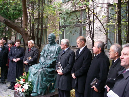 20111208-Иоанн Павел II в Москве. Открыт первый памятник Папе Римскому в России-pic1