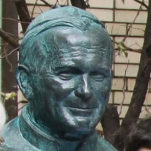 20111026-В Москве открыт памятник Иоанну Павлу II-pic1