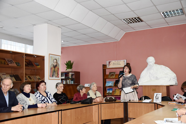 20190220_16-00-Сборник к 100-летию Александра Солженицына пришел к читателю-pic01