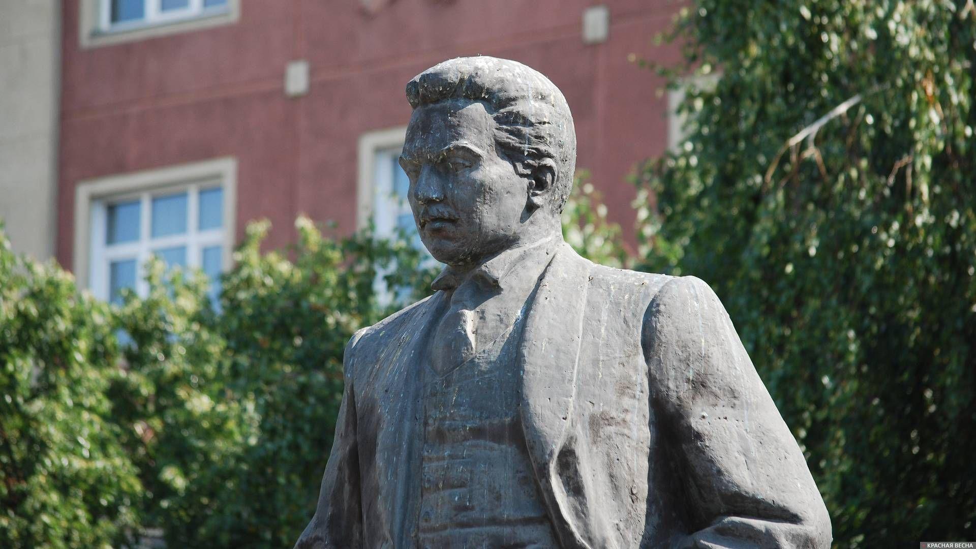 20200321_11-22-Новосибирские власти хотят переименовать остановку «Площадь Свердлова»-pic1