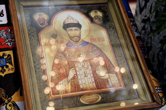 20160506-В Крым прибыла чудотворная мироточивая икона святого мученика страстотерпца царя Николая II