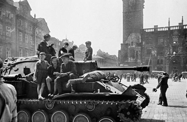 20200512_08-00-Чешские политики, славя власовцев, должны проклясть Пражское восстание-pic1