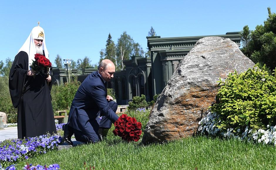 20200622-В День памяти и скорби Президент посетил главный храм Вооружённых Сил и музейный комплекс «Дорога памяти»-pic22