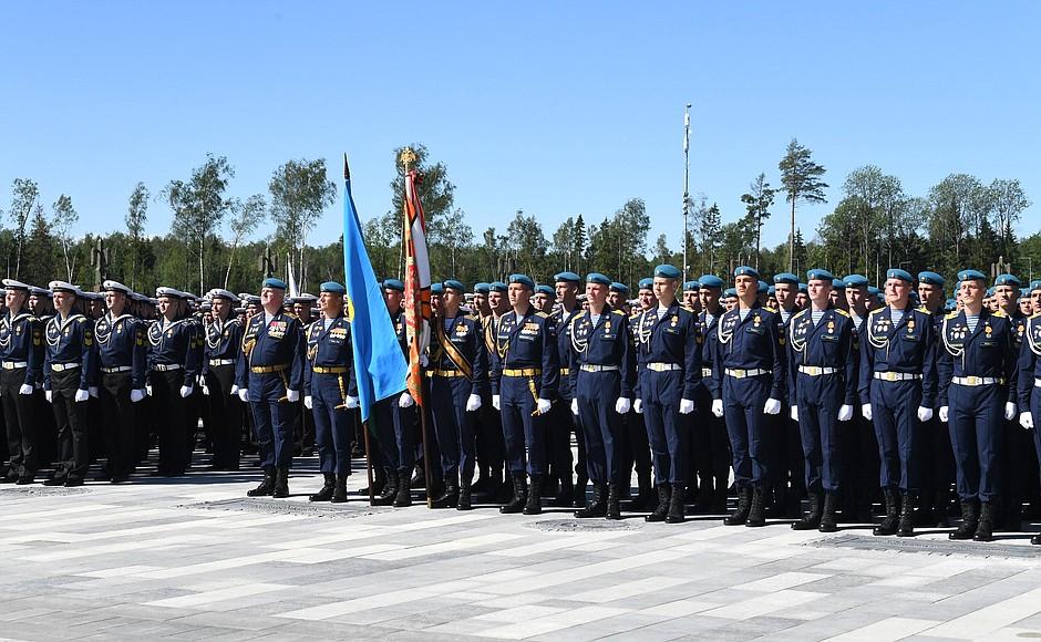 20200622-В День памяти и скорби Президент посетил главный храм Вооружённых Сил и музейный комплекс «Дорога памяти»-pic19