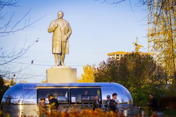 20200628_17-19-Как Ленин избавился от фастфуда. Обезличенный памятник в Верхней Пышме-pic01