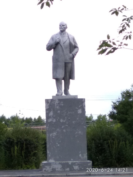 20200628_17-19-Как Ленин избавился от фастфуда. Обезличенный памятник в Верхней Пышме-pic09