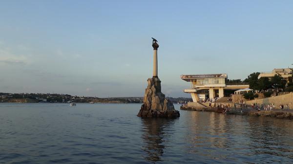20200806_21-27-Памятник «Примирения» разрушает архитектурный стиль Севастополя - эксперт-pic1