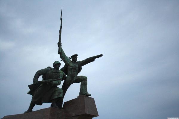 20200806_21-10-Памятник «Примирения» — это осиновый кол в земли Севастополя — эксперт-pic1