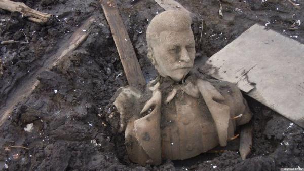 20200906_19-45-На Южном Урале восстановили памятник Сталину, который почти 60 лет пролежал на дне водоема-pic1