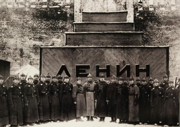 20200918_17-31-Кому и почему не дает покоя Мавзолей Владимира Ильича Ленина-pic2
