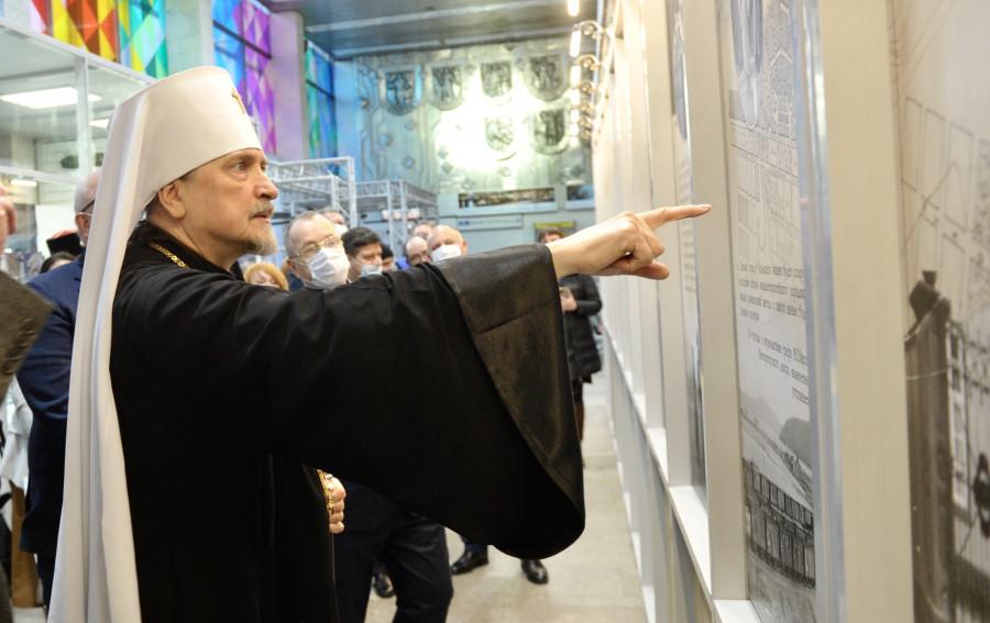20201121-В аэропорту Мурманск открылась постоянная фотоэкспозиция, посвящённая истории Кольского Севера в годы царствования императора Николая II-pic3