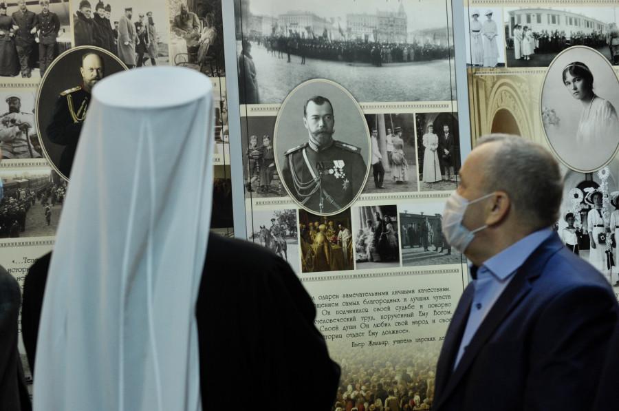 20201121-В аэропорту Мурманск открылась постоянная фотоэкспозиция, посвящённая истории Кольского Севера в годы царствования императора Николая II-pic4
