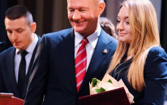 20190508_16-16-Представитель команды президента поможет советами Роману Старовойту-pic1