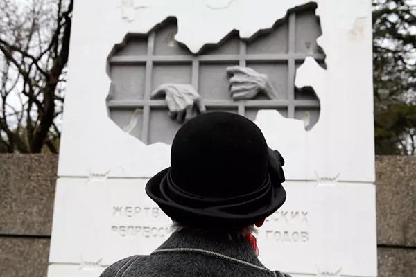 20161116-Акция «Памяти жертв политических репрессий» стартовала в Ставрополе-pic1