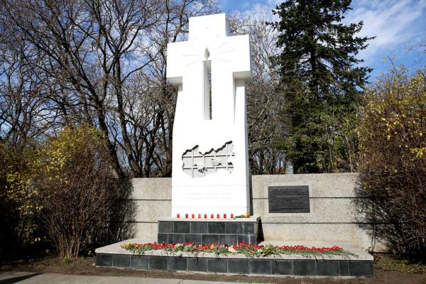 20181102_15-56--В День памяти жертв политических репрессий на мемориале «Холодный родник» совершена панихида-pic00