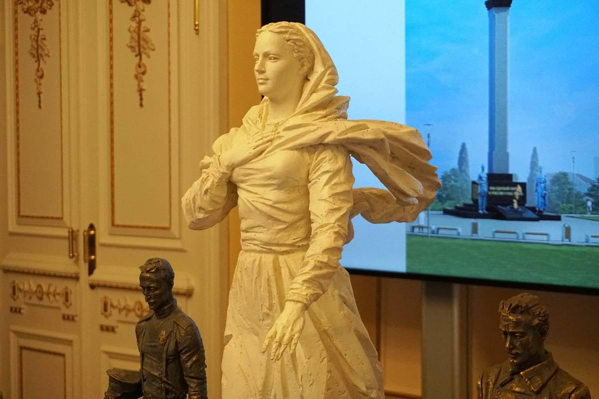 20210210-Вечный огонь зажгут у памятника примирению белых и красных в Севастополе-pic1