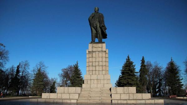 20180428_23-46-Ульяновский губернатор- в переименовании площади Ленина нет ничего плохого-pic1