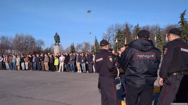 20180505_20-26-Корреспонденты ИА Красная Весна задержаны полицией в Ульяновске-pic1