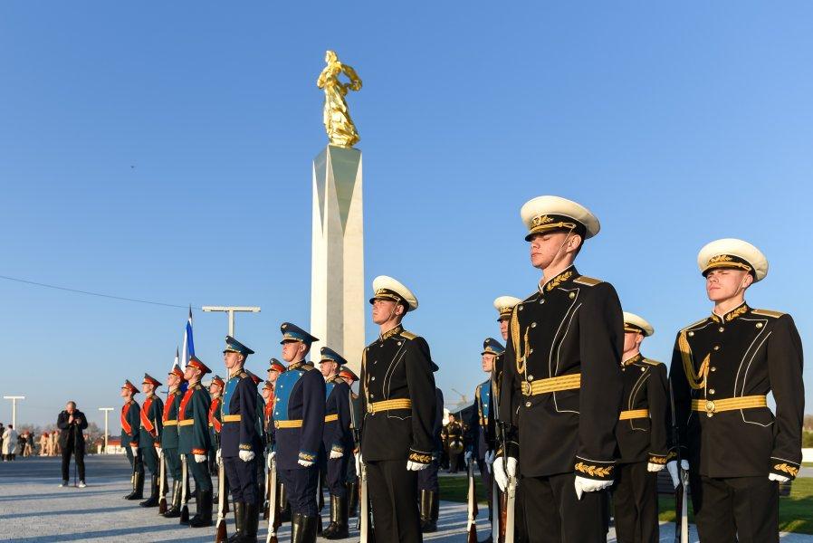 20210422_22-52-В Севастополе открыли памятник, посвященный 100-летию окончания Гражданской войны в России-pic1