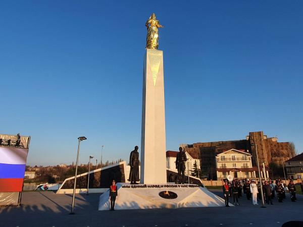 220210424_21-49-Жители Севастополя назвали памятник «Примирения» памятником белому реваншу-pic1