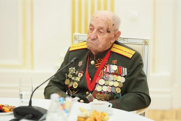 20210830_13-35-Сергей Лавров и Андрей Бочаров провели встречу с ветеранами-pic3