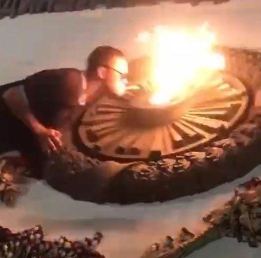 20210830_16-36-Ищут прикуривших от Вечного огня памятника Примирения-pic1