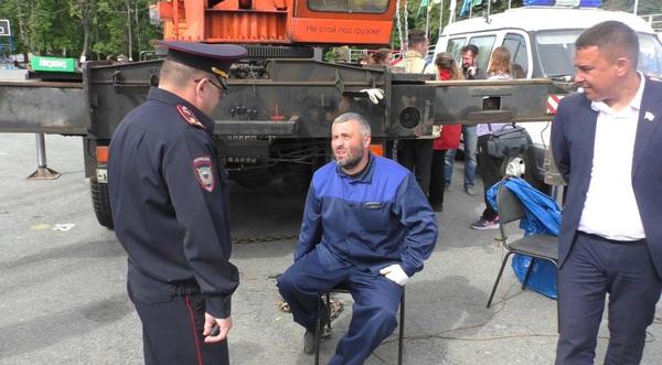 20180529_08-00-Штурм администрации и приковывание цепями- Ульяновск показал бунт за Ленина-pic8