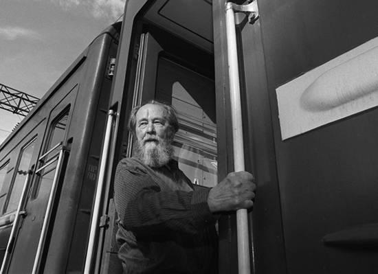 20180803-Зачем создали миф о великом писателе-правдорубе Солженицыне