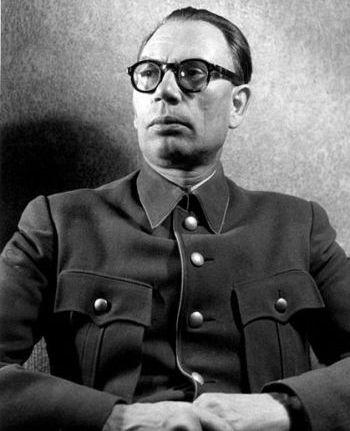 20101106-Из Солженицына вырезали Власова-pic2