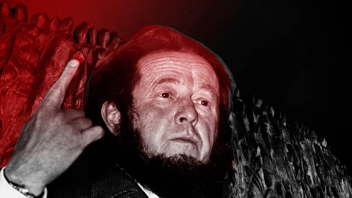 20181009_00- Твери жильцы два дня обороняли свой дом от портрета Солженицына-pic1
