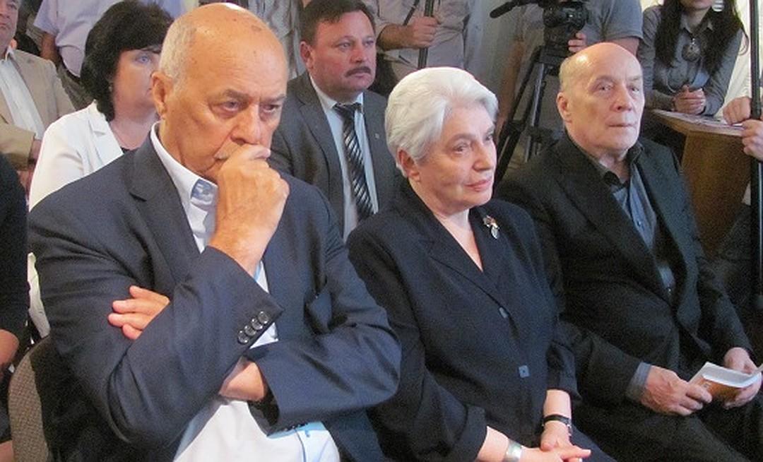 20150601_16-00-Вдова Солженицына о застройке вокруг музея писателя в Кисловодске- Он это описал в крохотке «Позор»-pic2