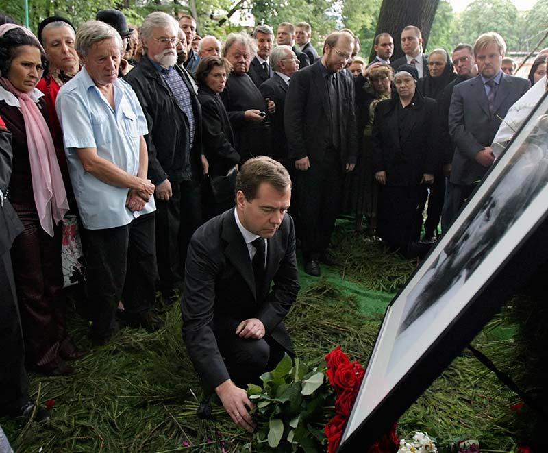 20080806_22-03-Солженицына отпели по полному чину-pic2