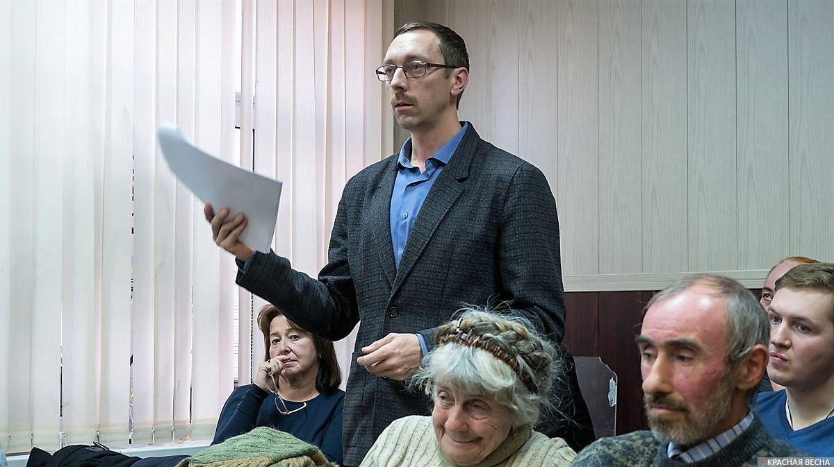 20181030_19-26-Таганский суд отказал в иске по памятнику Солженицыну-pic1