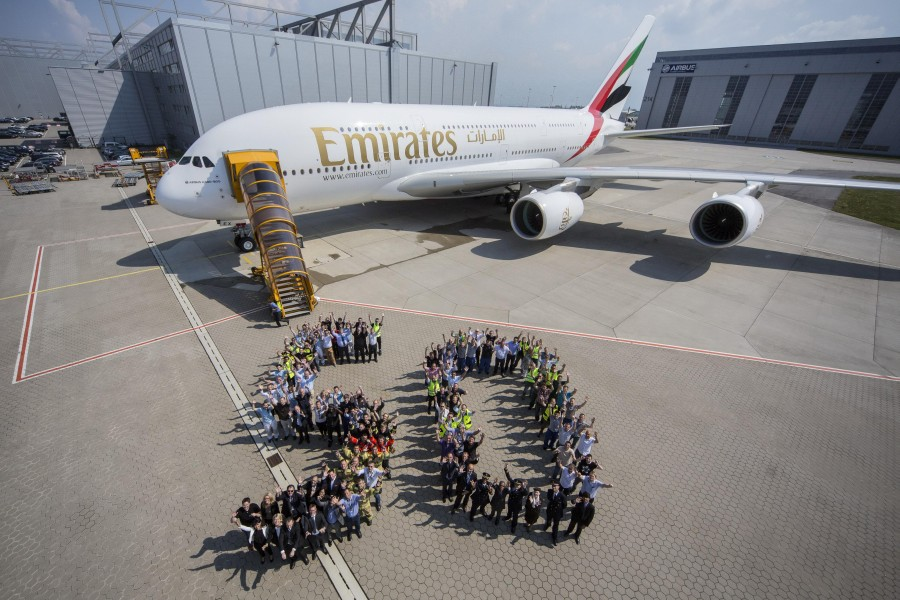 A380_50th_Emirates_03