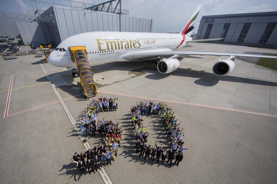 A380_50th_Emirates_03