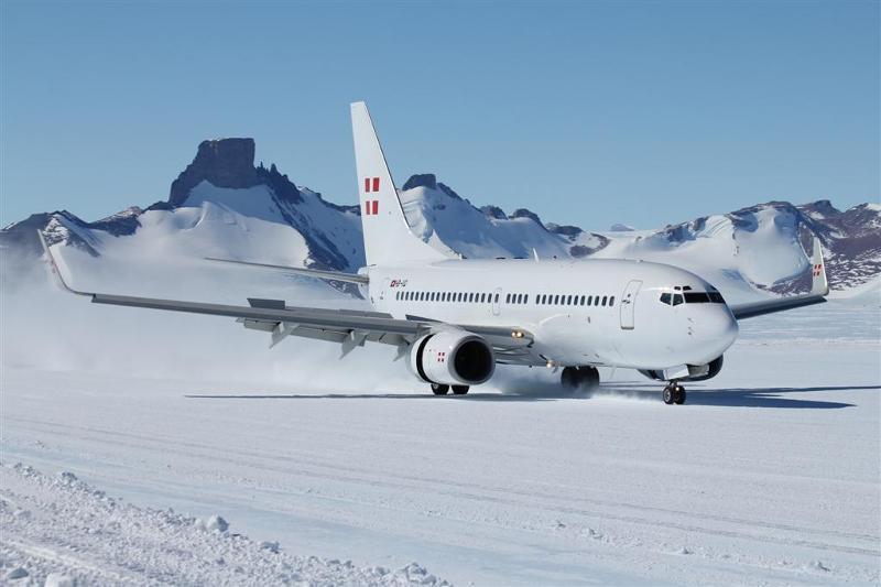 PrivatAir Boeing 737 antarctica