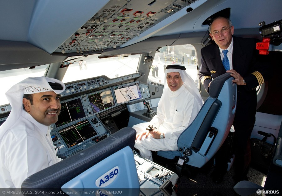 A350_XWB_welcomed_in_Doha___1_